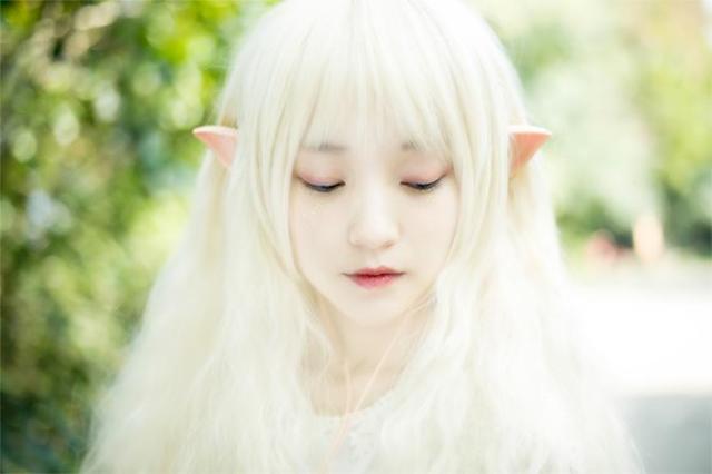 妖精の耳みたいなイヤホンが可愛すぎるー♪ コスプレにも使えそうなのであります