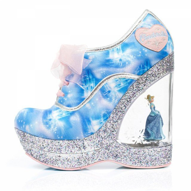 靴ブランド「イレギュラーチョイス」からディズニーのシンデレラコレクション登場! あいかわらずこのセンス、ヤバいです!!