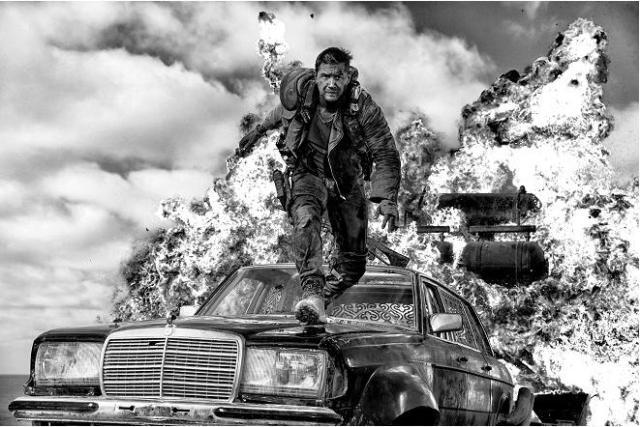 【待ってた】『マッドマックス 怒りのデス・ロード』モノクロバージョンがブルーレイになって発売されるよ! 監督も「ベスト」と太鼓判