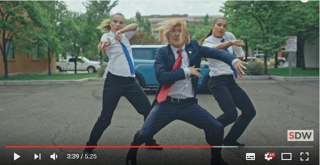 【トランプ vs ヒラリー】大統領選ではトランプ氏が勝ったけど…ダンスバトルではどちらが勝つの!? パロディー動画がじわじわ面白い