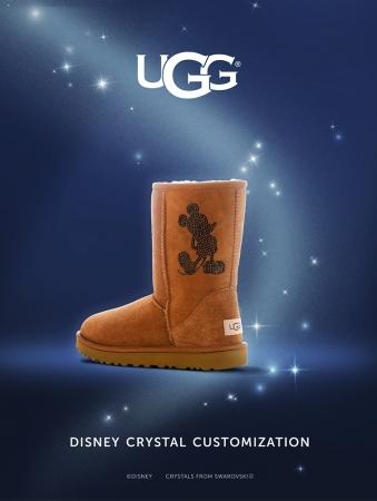 あの「UGG」のブーツを無料でディズニー仕様にできちゃう! スワロフスキーでつくるミッキーのシルエットがゴージャスです♪