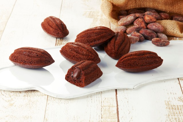「とろ~っ」と「ふっくら」が絶妙! カカオの形をしたチョコレート菓子「大地のカカオケーク」がとってもおいしそう