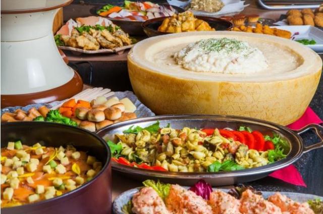 チーズ好きにはたまらないチーズまみれのビュッフェが東京・上野で開催♪ 食事もデザートもチーズだらけで身も心もとろけそう