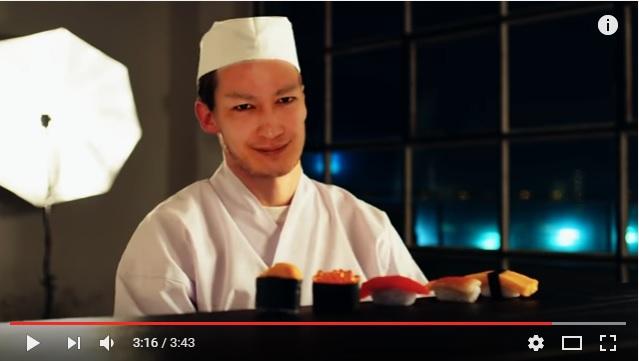 きゃりーがナイスバディに、中田ヤスタカは寿司職人に、Charli XCX はセーラー服とブルマ姿に!? 中田ヤスタカの新曲MVがクレイジーすぎる