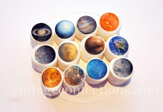 惑星がふわふわになるなんて! 惑星キャンディーのお店からギャラクシー感いっぱいの「惑星マシュマロ」が新登場しました♪