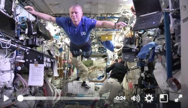 宇宙飛行士の本気! 国際宇宙ステーションでマネキンチャレンジしてみたよ〜