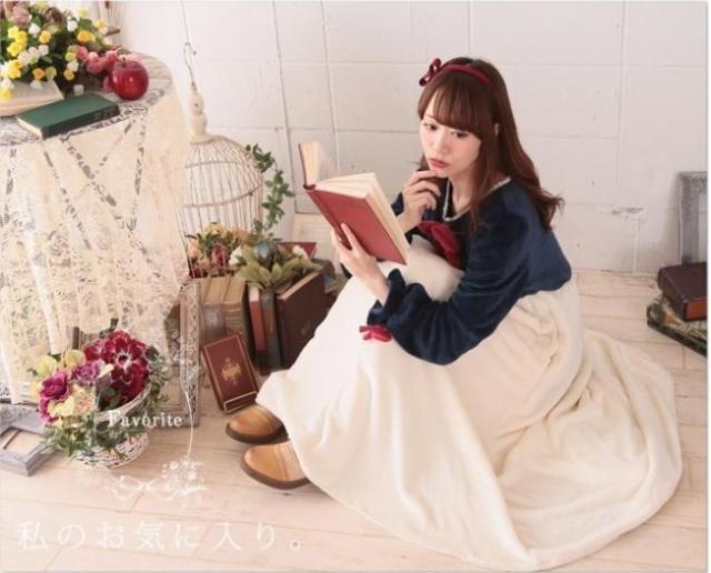 """""""進化系・着る毛布"""" はお部屋で「白雪姫」になれる♪  童話の主人公気分で冬ごもりしようよーっ"""