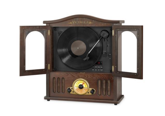 見た目はアナログだけど…「レコード」「CD」「Bluetooth」なんでもござれ! クラシックなマルチプレーヤーに心をつかまれちゃいました