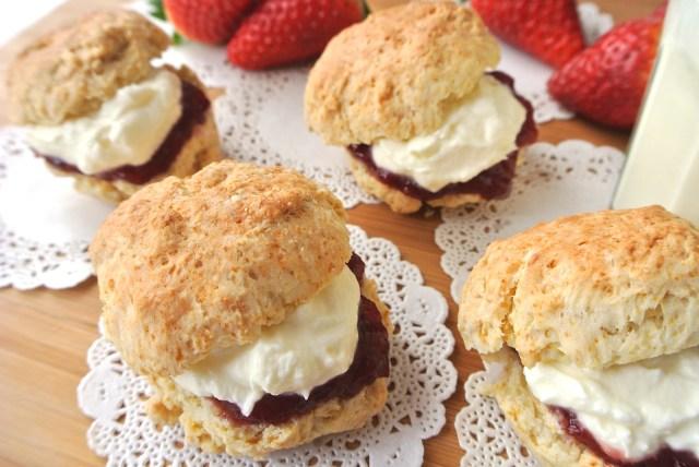 スコーンにつけると最高♪ イギリス食文化の至宝「クロテッドクリーム」が5分でできるレシピを「トワイニング」が公開してるよ