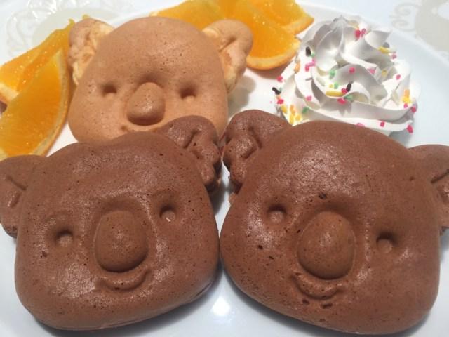真っ黒な「コアラのマーチパンケーキ」チョコ味も食べられるデザートフェア♪ ロッテのホテルモーニングビュッフェで食べられるよ〜っ