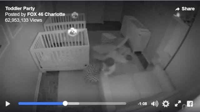 【監視カメラは見た】双子の息子たちが夜しっかり寝ていない!? 家族が寝静まった後めちゃくちゃ遊んでました