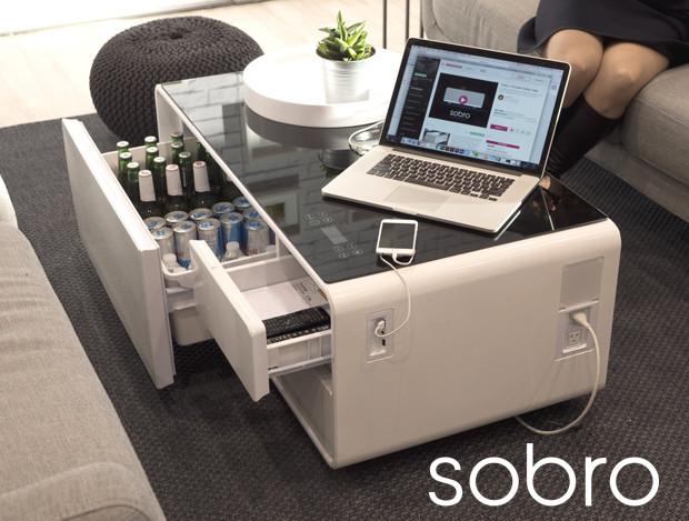 【人をダメにするテーブル】冷蔵庫も電源もスピーカーも内蔵したコーヒーテーブル「ソブロ」がハイスペックすぎぃ!