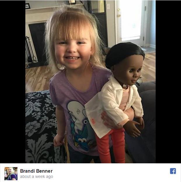 「本当にこれがほしいの?」2歳の少女が選んだ人形を見て店員さんが質問すると…少女の受け答えが素晴らしいと話題に