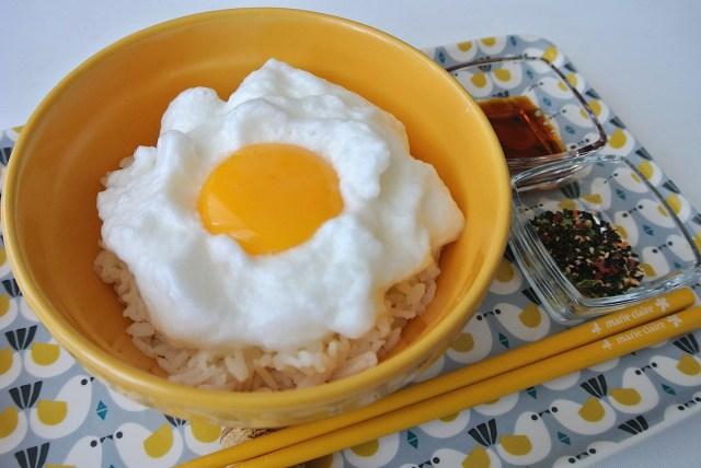 【究極のTKG】ふっわふわの「メレンゲ卵かけご飯」にチャレンジ! 白身を泡立てるだけで超絶オシャレな朝食になりました