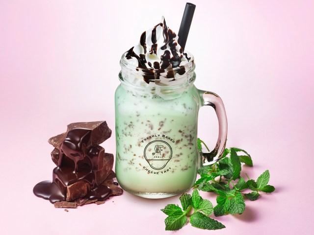 パブロのカフェに見た目もさわやかな「チョコミントフルーテ」が新登場だよ / チョコミン党にうれしいスムージーです♪