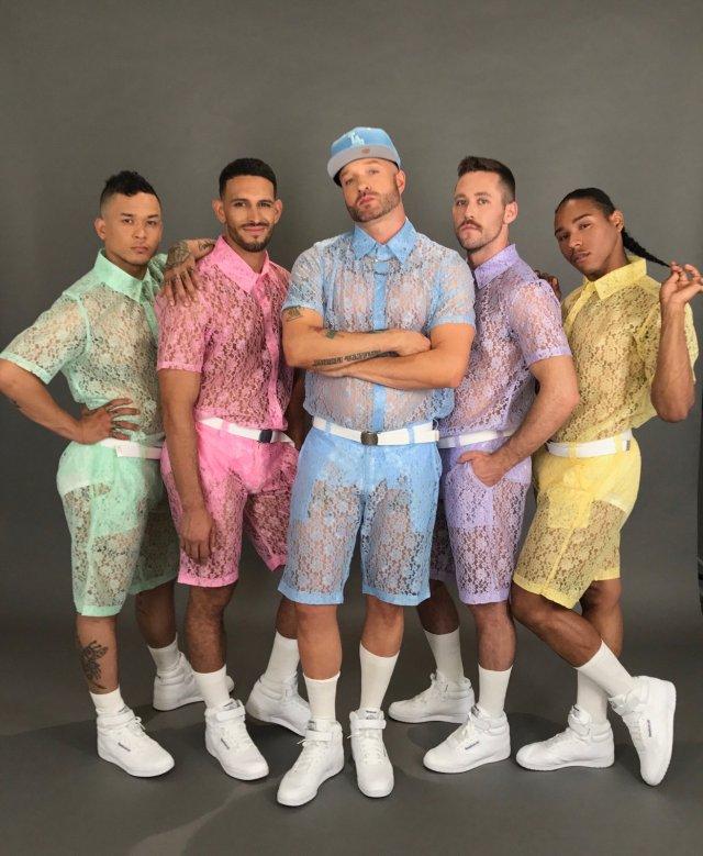 オトコだってレースが着たいっ! 男性のためのレースセットアップが発売されました / ゆめかわカラーで透け感がめっちゃラブリーだよ♡