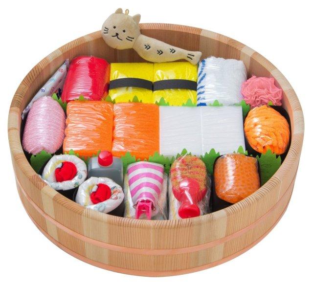 出産祝いに「おむつ寿司」はいかが? シャリがおむつでネタが便利グッズ、入れ物の寿司桶は本物だよ〜☆