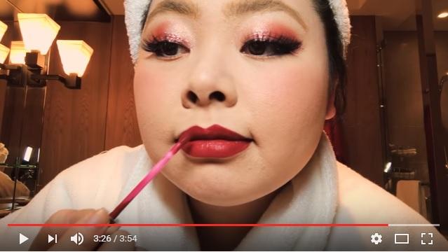 渡辺直美さんのメイク動画が公開され海外で大絶賛 「今まで見たことない面白いビューティー動画だった」「ゴージャスで楽しい人」など