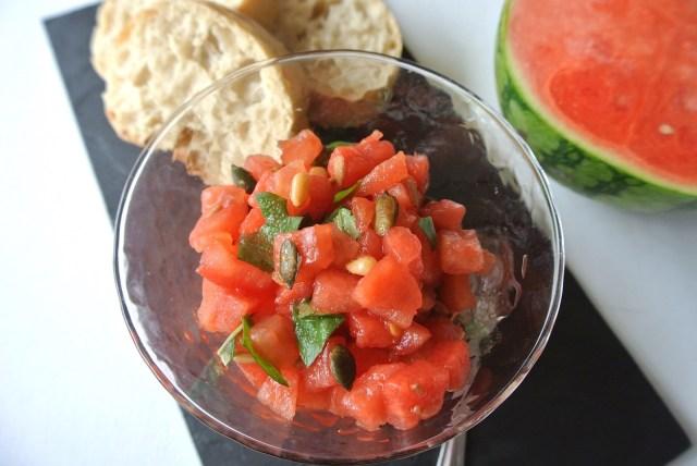 フランス人シェフ直伝「スイカのサラダ」を作ってみよう / スイカ×トマトが夏にピッタリです【7月27日はスイカの日】