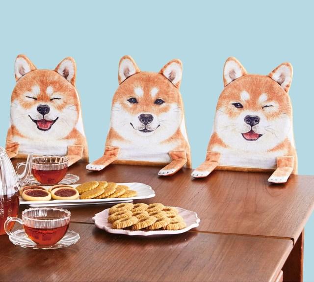柴犬との一家だんらんを楽しめちゃう! おねだりしてるみたいな姿が微笑ましい「柴犬ハンギングラック」が新発売だよ♪