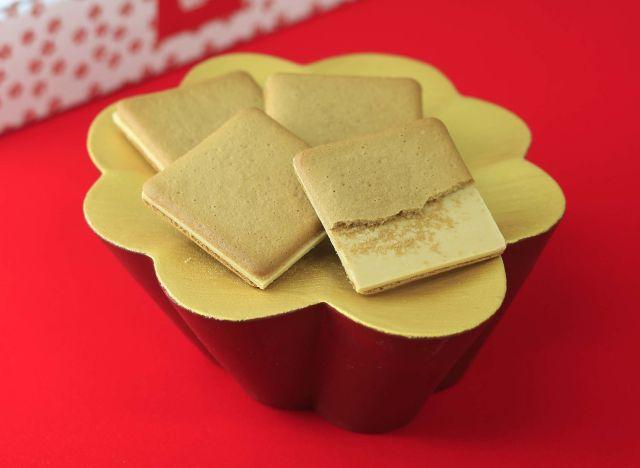 桔梗信玄餅をイメージした洋菓子「桔梗信玄ビスキュイ」が新発売だよ! 予想を上回るオシャンティーな仕上がりなのです