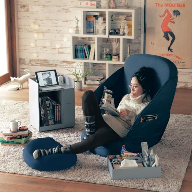 立つことを忘れてしまいそうな「ベルメゾンの座椅子」がヤバイ! 至れり尽くせりすぎて特等席感ハンパないです