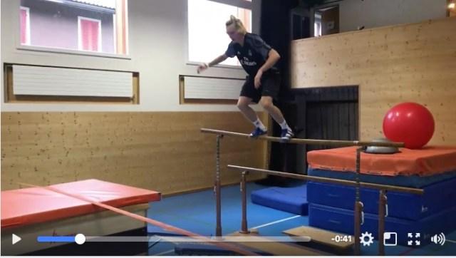 まるで人間ピタゴラスイッチです♪ スキー選手のトレーニング方法がヤバすぎる! まず最初に2階から飛び降ります