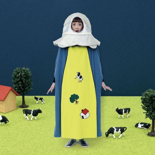 フェリシモの新商品「アブダクションするUFO着る毛布」が話題騒然 / 「無茶しやがって」「商品紹介がUFO専門用語だらけで本気すぎ」など