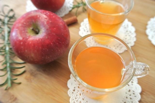 リンゴの皮で作る極上アップルティーが最高すぎる♪ ちょい足しで「アップルシナモン」などもおすすめです☆