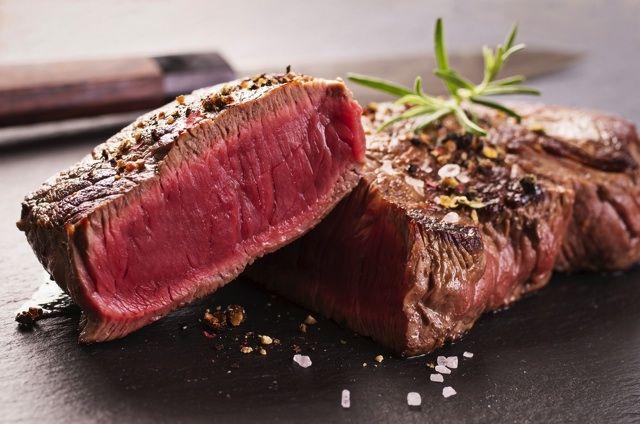 新宿の肉バルでヘルシーステーキが1290円食べ放題ですと!? 赤身肉&チキンで太りたくないけど肉はガッツリ食べたい女子にピッタリだよ♪