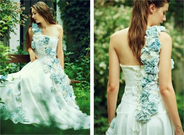 DIESELからデニムを使ったウエディングドレスが登場!? カジュアルかと思いきや流れるようなデニムのコサージュが素敵です♡