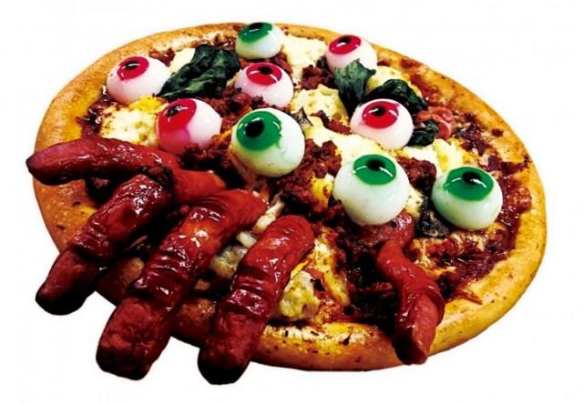 トッピングが目玉とかグロテスク! ハロウィンにぴったりのホラー系ピザ「血まみれゾンビーノ」が復活したよ~