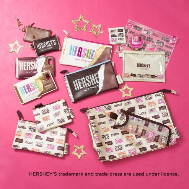 チョコレートの「HERSHEY'S」が雑貨になったよ / 板チョコ型ポーチやキスチョコソックスなど甘~い気分に浸れそうなラインアップ