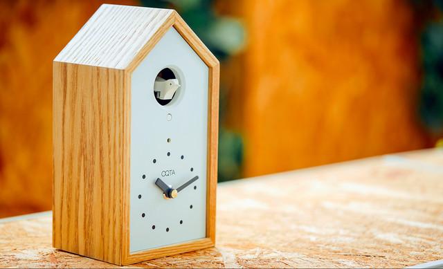 離れていても絆を届ける鳩時計「オクタ」がステキ / ハトが鳴くと大切な人が「自分のことを思い出してくれた」とわかる!