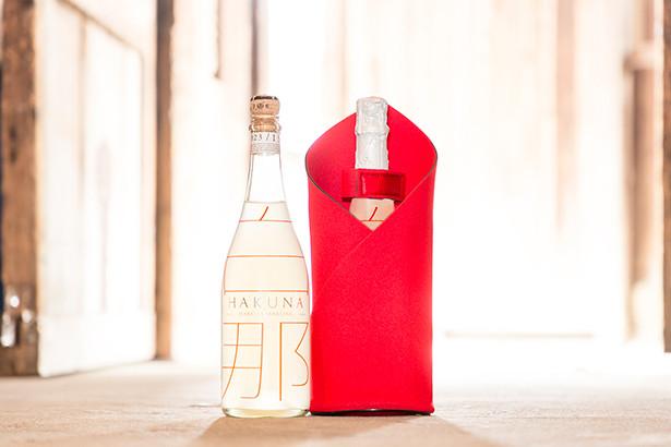 クリスマスに似合いすぎる! ついだグラスに「粉雪」が舞うスパークリング日本酒☆ / 氷点下に冷やして飲みます
