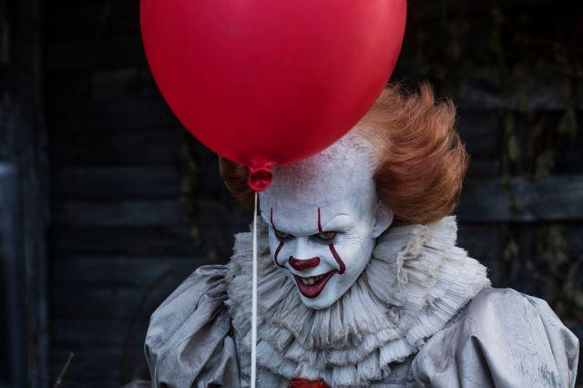 映画『IT』のピエロ役の素顔が超絶イケメン! 身長192センチ27歳のスウェーデン人ビル・スカルスガルドさんにギャップ萌えです