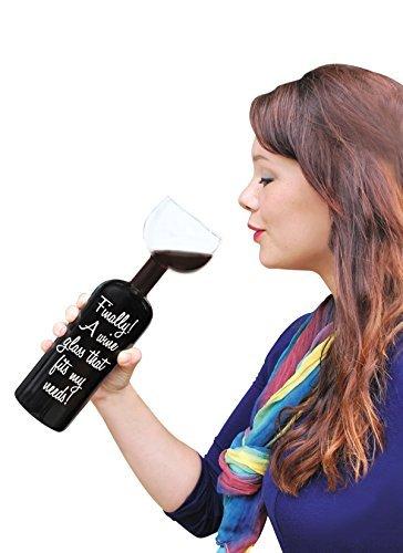 これは間違いなく「酒飲み専用ワイングラス」だわ! ぶっちゃけワインボトルにしか見えないけど
