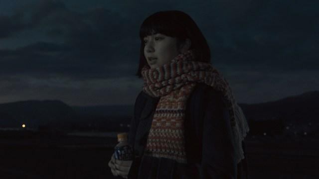 【動画あり】「午後の紅茶」新CMが泣きそうになっちゃうと話題に / スピッツの名曲『楓』をカバーした上白石萌歌の歌声が心に沁みます