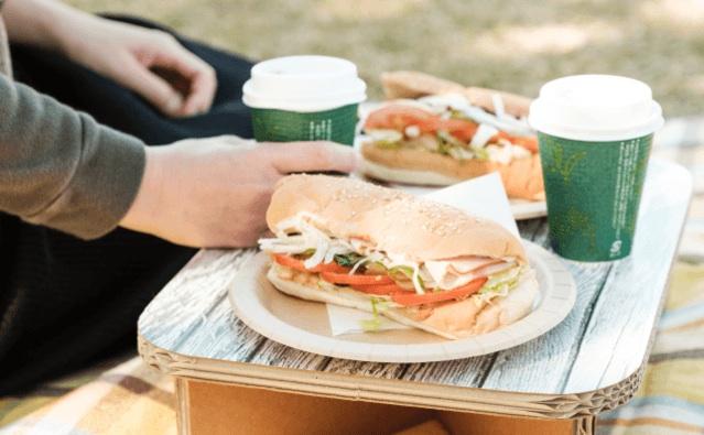 軽くて持ち運び便利&ハイセンスなダンボール製テーブルが登場!ピクニックやお花見に大活躍してくれそうです★