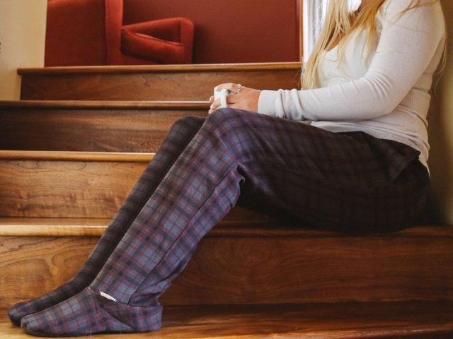 """【あるようでない】これぞ """"人をダメにするスウェット"""" !? 靴下と一体化したみたいなスウェットパンツがいい感じなのです"""