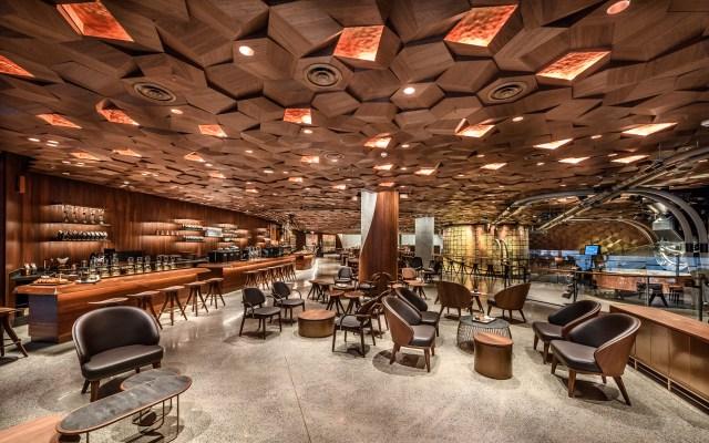 世界最大の面積を誇るスタバ高級店「スターバックス ・リザーブ・ロースタリー」が上海にオープン!  コーヒーだけでなくお茶にも力を入れているみたい