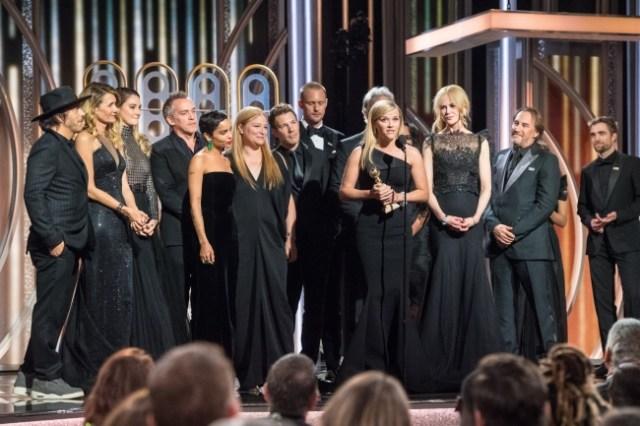 【セクハラ問題にNO】ゴールデン・グローブ賞の会場が黒一色! ブラックドレスとブラックタキシードで埋め尽くされました
