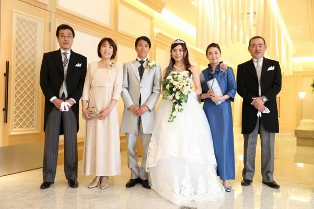 """これからの結婚式は""""お母さんもドレス""""に…!? 黒留袖を着ない選択肢も意外とアリかも!"""