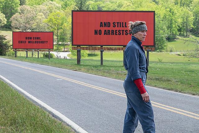 アカデミー賞最有力映画『スリー・ビルボード』はモンスターママの怒りが爆発! 予測不能な展開に震えが止まらない【本音レビュー】