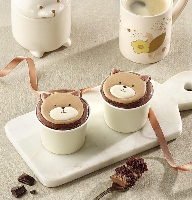 韓国スタバで販売されている「子犬のカップケーキ」が可愛すぎる! ブラウンとホワイトの2種類があります♪