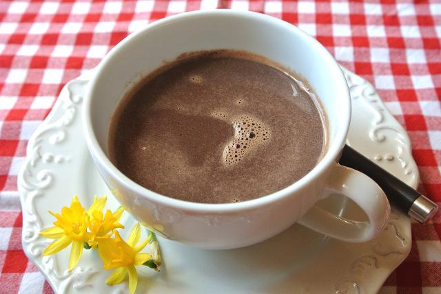 【素朴な疑問】ホットココアを作るとき「お湯」or「ホットミルク」どっちで溶かす?