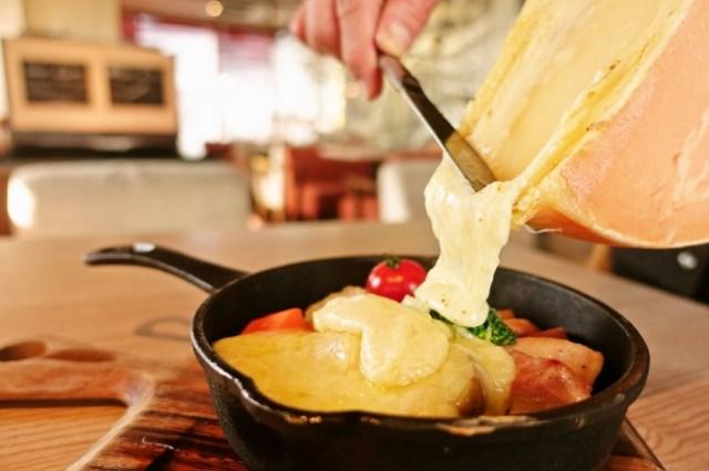 チーズフォンデュの種類が豊富すぎる「CheeseTable(チーズテーブル)」が最高の予感 / 「べジフォンデュ」「ミートフォンデュ」など