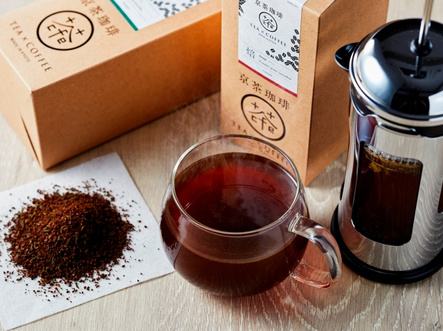 【新発想】コーヒーと日本茶を合わせた「京茶珈琲」が新境地の味わい! 宇治茶とコーヒー豆を一緒に挽いてるんだって!!