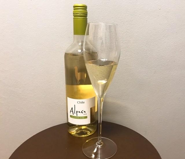 【私の晩酌】安いのにウマイと話題「アルパカワイン」白ソーヴィニヨン ブランを飲んでみた / こってり感を一掃してくれるから油物と好相性だよ