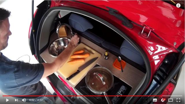 車のトランクに「ミニキッチン」を手作りした男性がすごい! シンクもコンロも冷蔵庫も付いてます